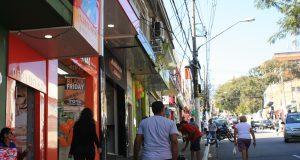 O comércio do centro de Itaquera atrai muitas pessoas todos os dias