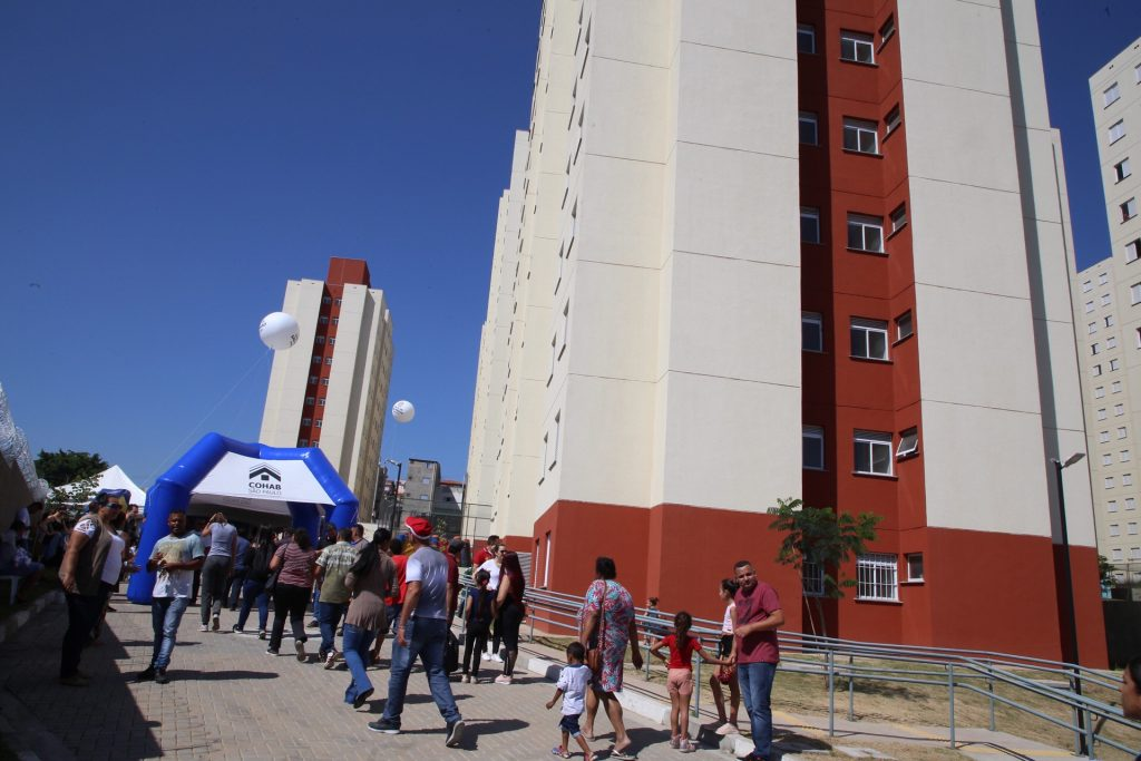 As novas unidades do Residencial Safira em Itaquera, de 49 m², têm sala, cozinha, banheiro, área de serviço, dois dormitórios, ensolarados, um condomínio com área de lazer