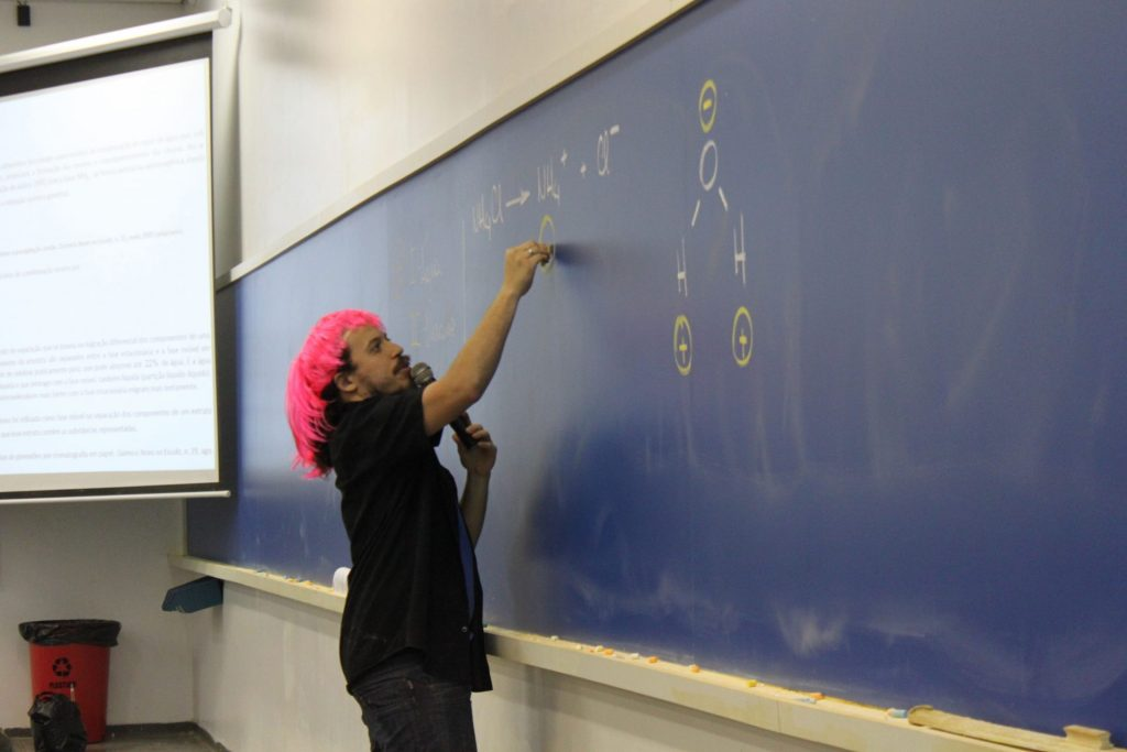 Professores de Química, Física, Biologia e Matemática revisaram, de forma descontraída, os principais conteúdos