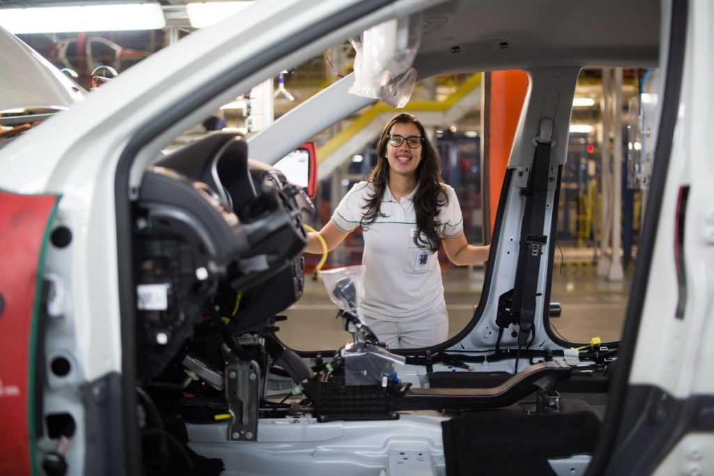 Juliana Coelho, nova Plant Manager do Polo Automotivo Jeep, em Goiana (PE)